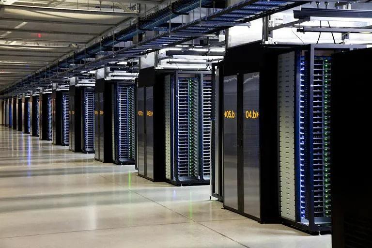 مرکز داده لایه ای