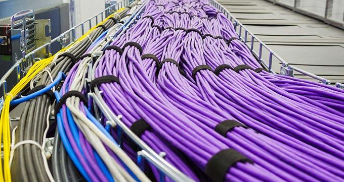 کدام محل برای عبور کابل های شبکه مناسب اند?